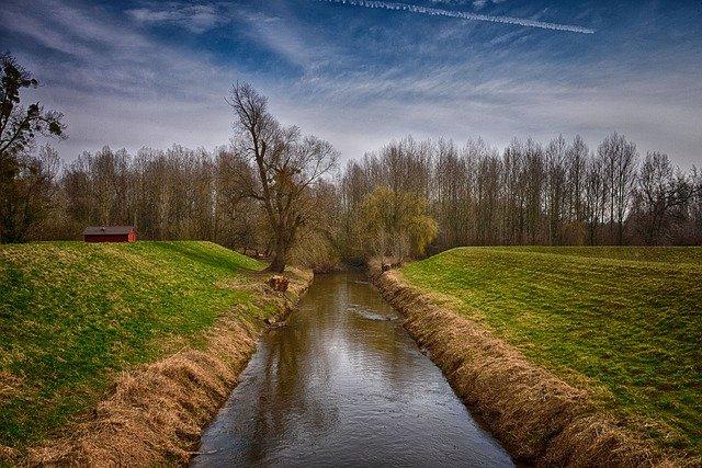 Ville et municipalité - Traitement biologique des eaux usées écologique